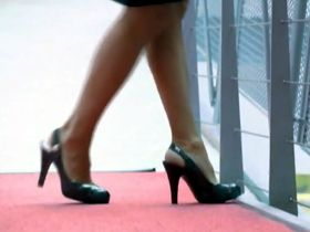 Should high heels be banned in the workplace?